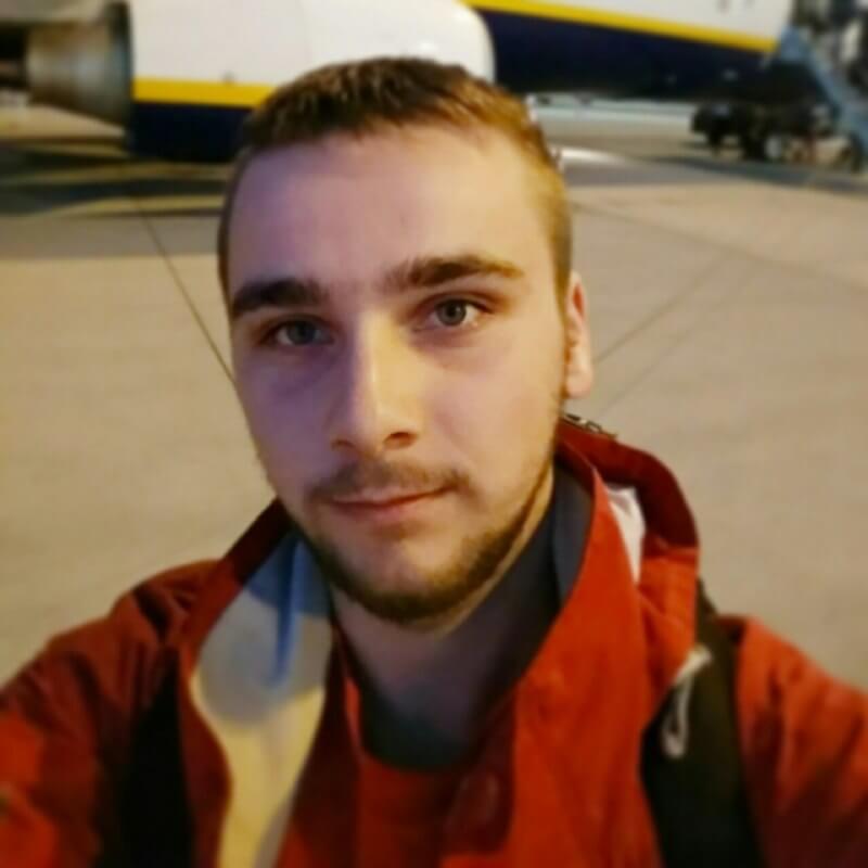Привіт, мене звати Юрій!